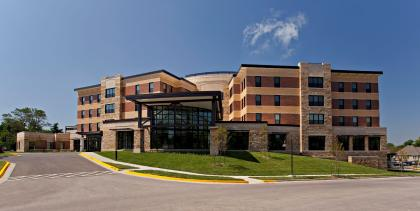 Lakeview Village Retirement Community, Lenexa, Kansas | Skilled Nursing and Rehab Senior Living Design