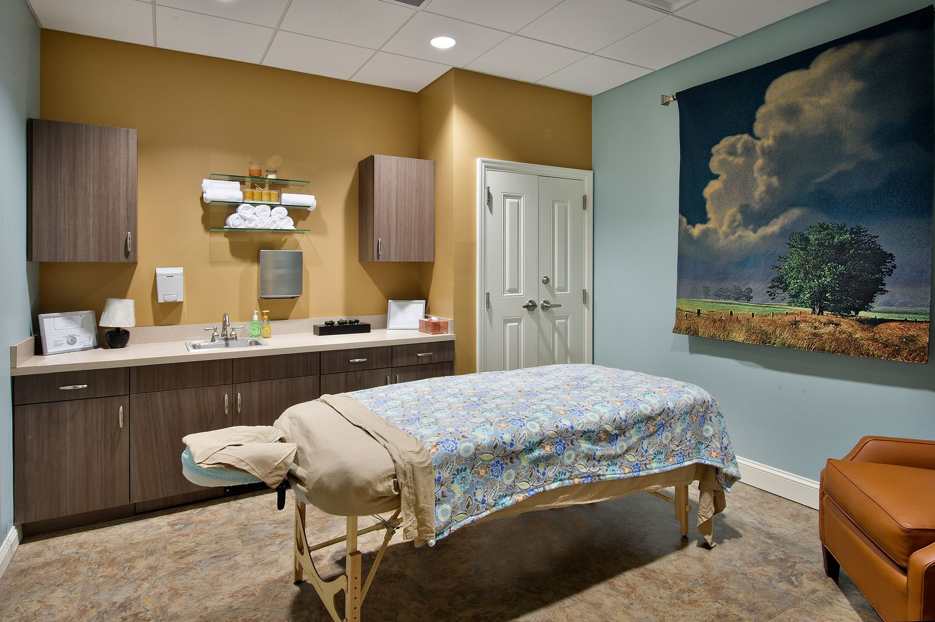 Sterling Estates Assisted Living Design THW Art activity room
